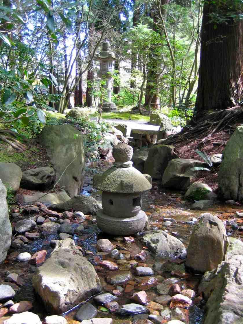 Nitobe Japanese Zen Garden - Small Lantern