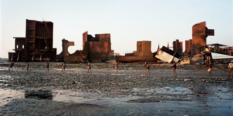 https://ekostoriesdotcom.files.wordpress.com/2013/10/manufactured-landscapes-shipbreaking-plate-58.jpg?w=474&h=303